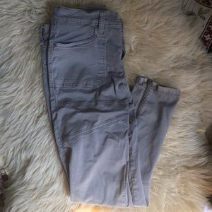 Utility jeans